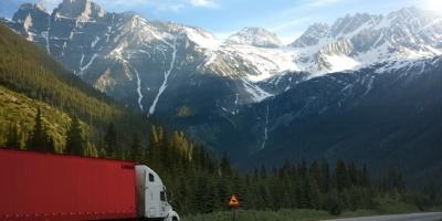 camion-transport-routier-lourd-marchandises
